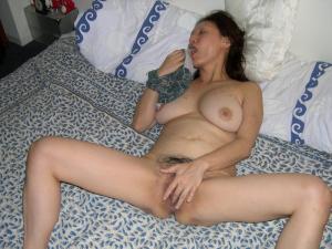 schöne Hündin Masturbieren - online kostenlos Private SexBilder
