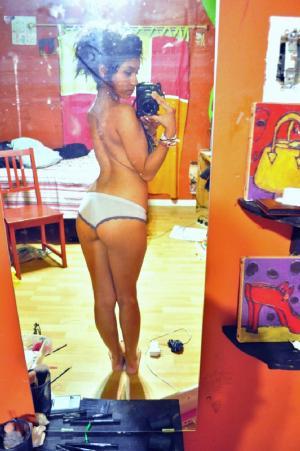 Selfie von Alltagen aus Schönheiten - online kostenlos Private SexBilder